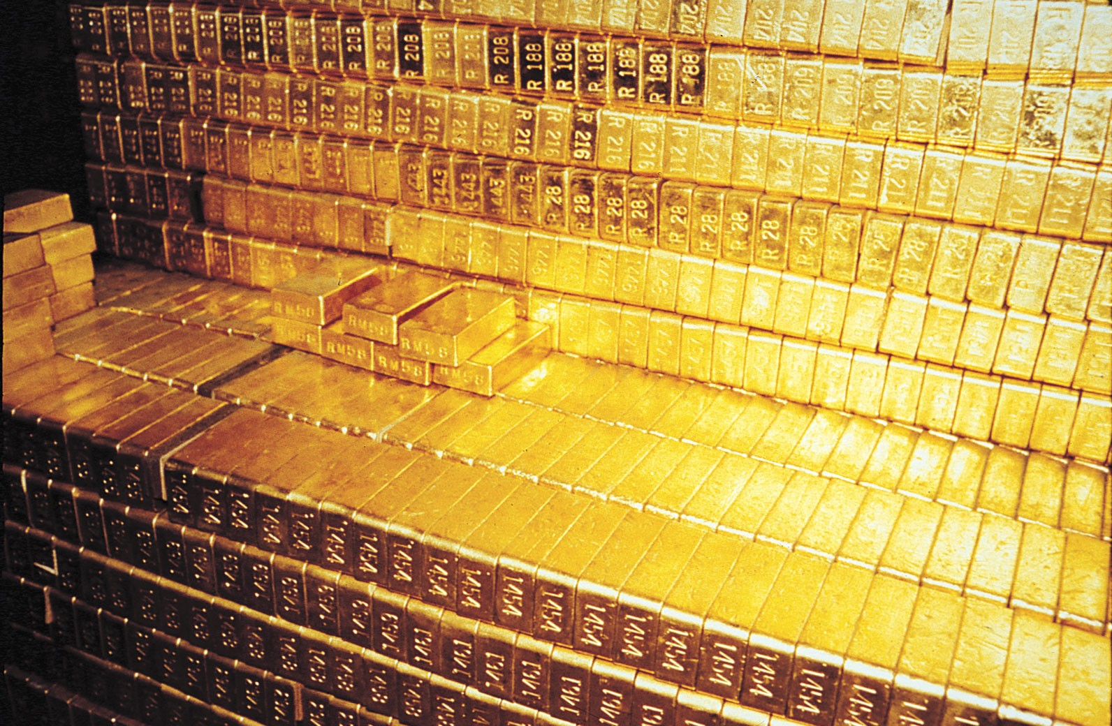 Gold bars purportedly stored in Fort Knox