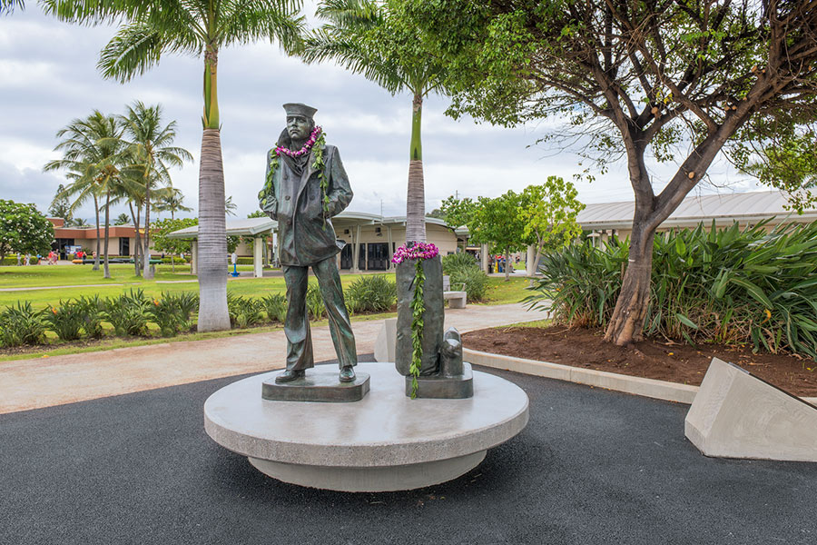 lone sailor statue pearl harbor